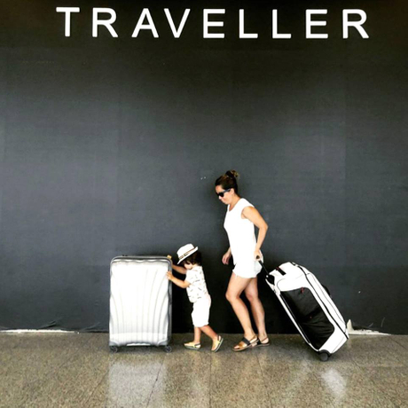 2-wheel-vs-luggage-suitcases-2.jpg